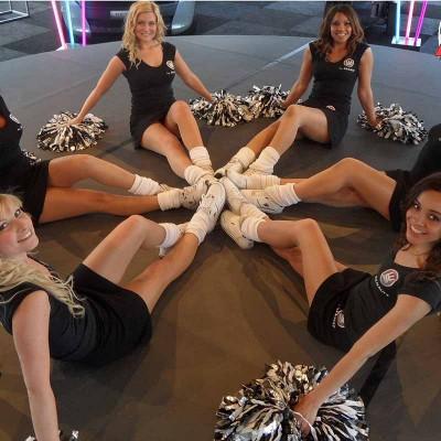 Cheerleaders!