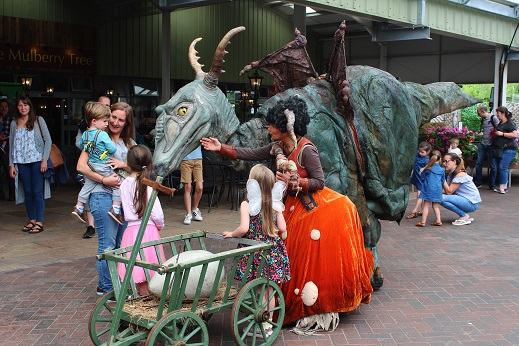 Meeting Livestock Productions friendly Dragon live entertainment at the Ruxley Manor garden center.
