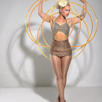 Hula Hoop Extraordinaire
