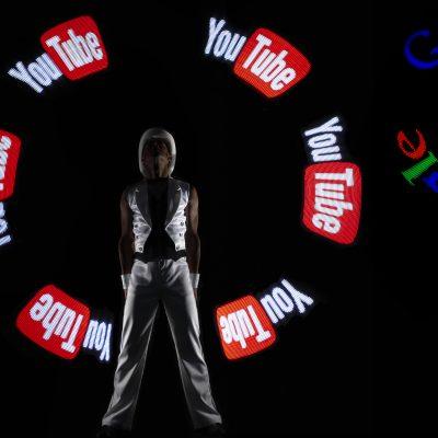 'Smart Tech' Glow Show